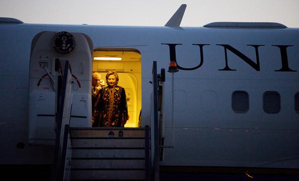 Hillary+Clinton+Arrives+Kabul+Karzai+Inauguration+KbTeLurLe0Fl