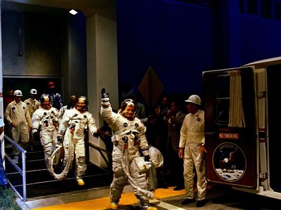 apollo-11-neil-armstrong-crew-walkout